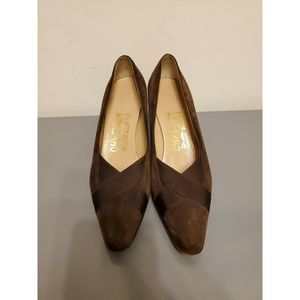 Salvatore Ferragamo Brown Suede Pumps sz 61/2 B